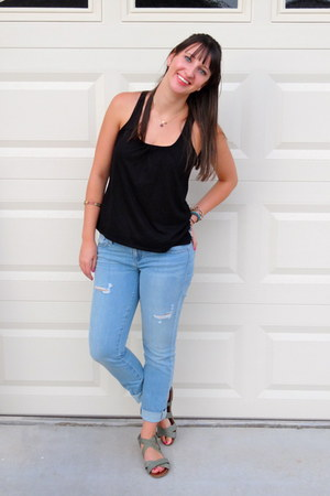 Black tank top jcpenney shirts light blue guess jeans Black shirt blue jeans