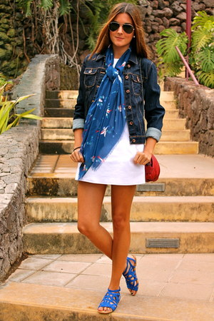 Blue Zara Sandals White Zara Dresses Navy Zara Jackets