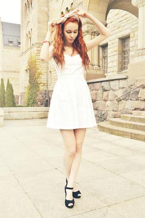 White Bershka Dresses Light Pink H&ampM Scarves Black Papilion