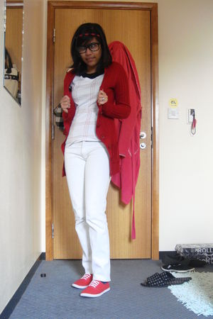 Red Cardigans White Ts Shirts Red Shoes White Jeans  &quotlazy