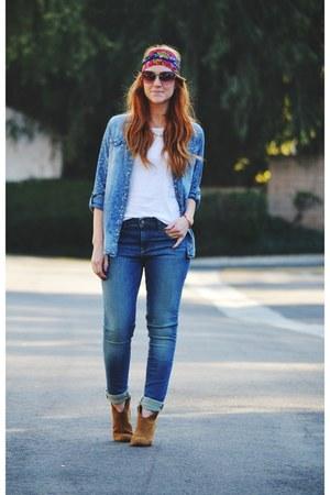 Blue Denim Shirts Tawny Boots Blue Jeans Hot Pink