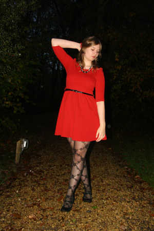 Black Lace Tights Red Dresses Black Necklaces Black