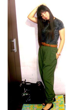 Green Pants, Black Shoes, Gray Blouses, Brown Belts, Black Bags ...