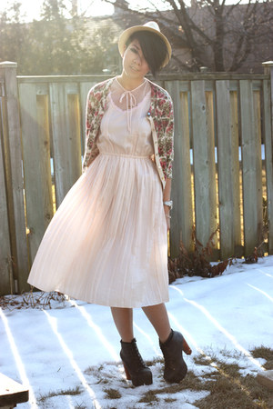 Dark Gray Lita Jeffrey Campbell Heels- Light Pink Moms Old Dress ...