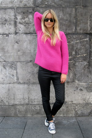 Hot Pink Zara Sweaters Black Rays Ban Sunglasses Black