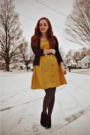 Black Vintage Belts, Mustard Modcloth Dresses, Charcoal ...
