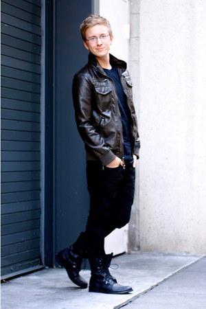 Men's Black Forever 21 Boots, Black Levis Jeans ...