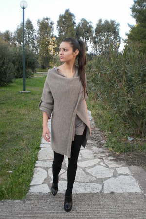 Find long shirts for leggings women at ShopStyle. Shop the latest collection of long shirts for leggings women from the most popular stores - all in.