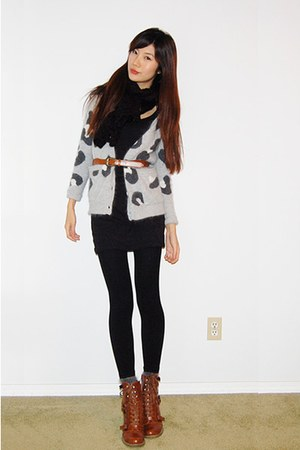 Gray Aritzia Leopard Cardigans Tawny Ankle Boots Black