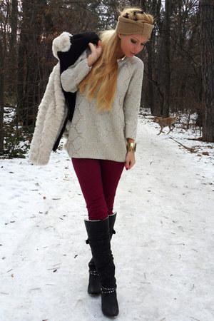 Beige Sweaters Black Boots Off White Coats Crimson